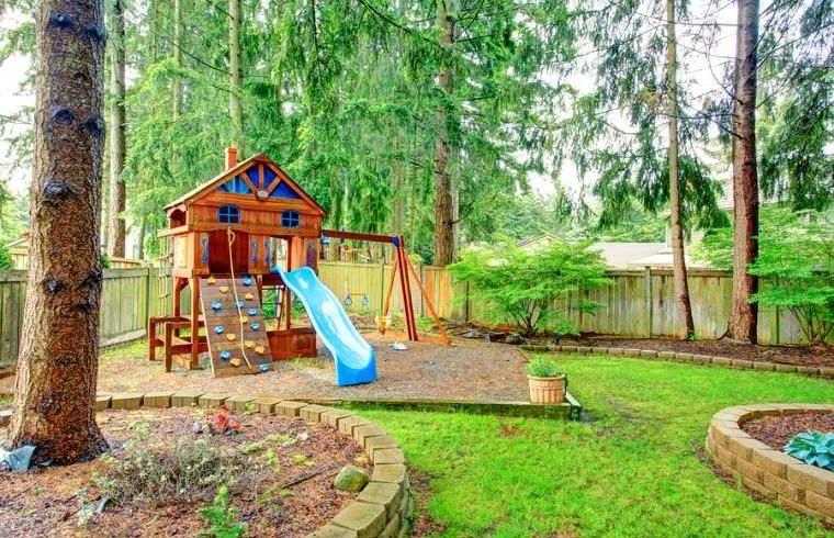 8 jeux extérieurs à installer pour vos enfants